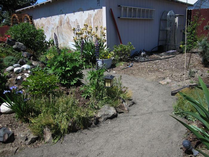 gardenpath1